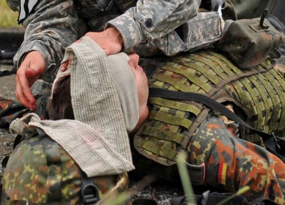 Reversible glue could save soldiers' sight