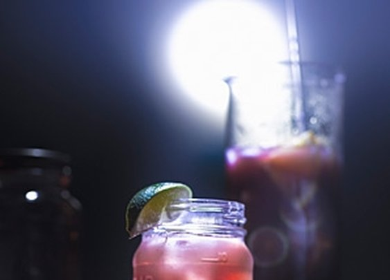 Best Moonshine Cocktail Recipes From Eli Kirschtein - MensJournal.com
