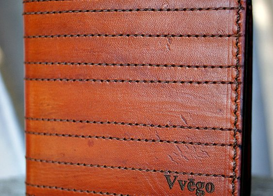 An Exceptional One-Off Leather Bifold Wallet - Vvego