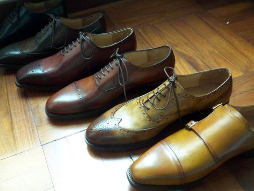 The purpose of shoe antiquing