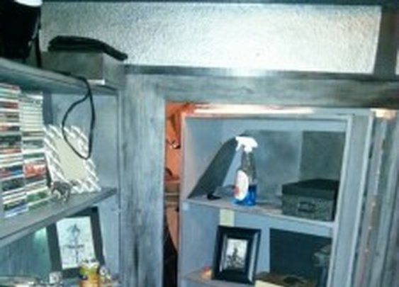 Bookcase Door to Secret Room   StashVault