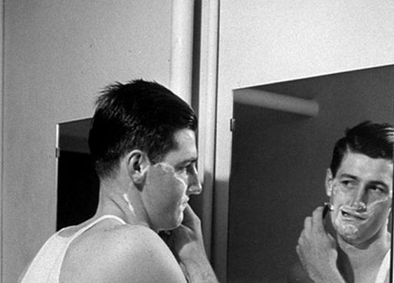 7 Mistakes New Wet Shavers Make   The Art of Manliness