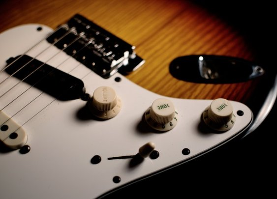 INSTRUMENTAL: '78 Fender Stratocaster   joehep.com