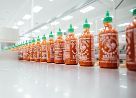"Process: Sriracha's Famous Coc... ""Rooster"" Sauce 