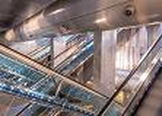 Napoli, Italy - Subway:  timelapse