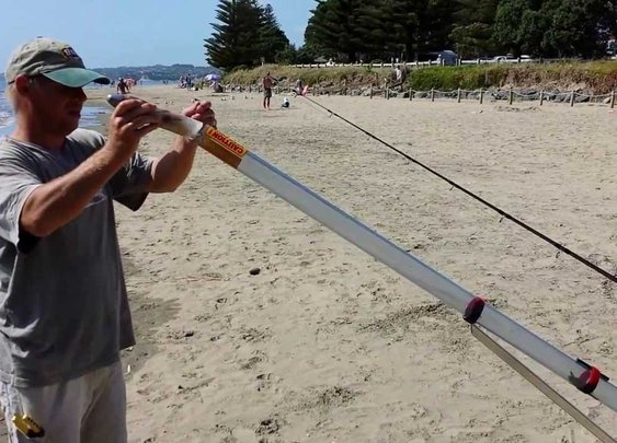 Sandblaster Baitcaster - YouTube