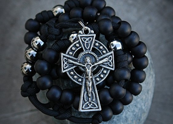 RUGGED CELTIC Paracord Rosary