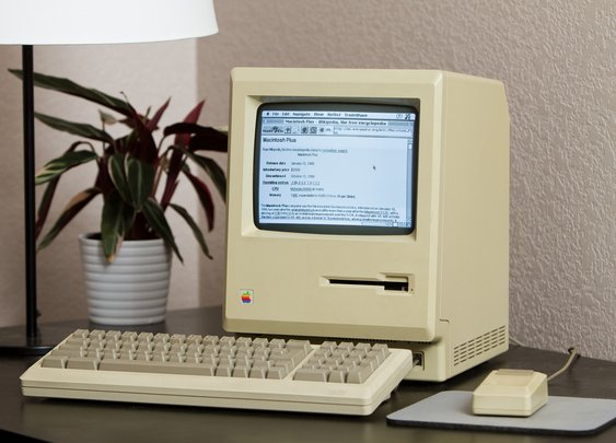 Plugging a 1986 Mac Plus into the modern Web