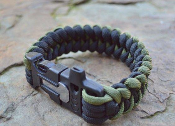 FREE Paracord Bracelet