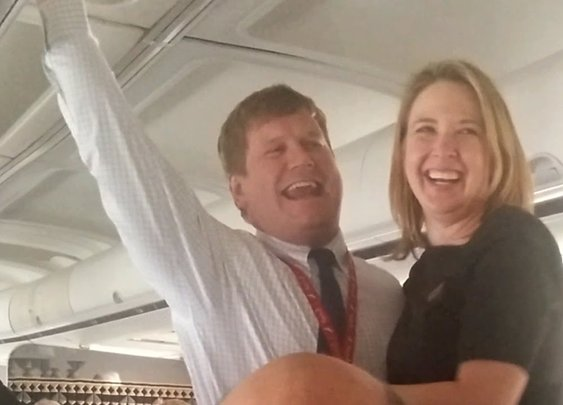 Pilot Proposes to Flight Attendant Mid-Flight