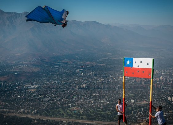 Sebastian Alvarez - Wingsuit Precision Flight VIVA CHILE! - YouTube