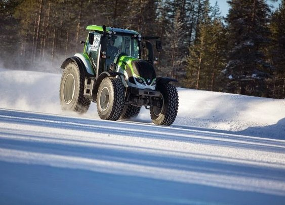 The Fastest Tractor In The World: Valtra T234