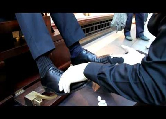 Ultimate Shoe Shine at Burlington Arcade - YouTube