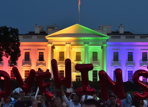 White House turns to rainbow after gay marriage ruling