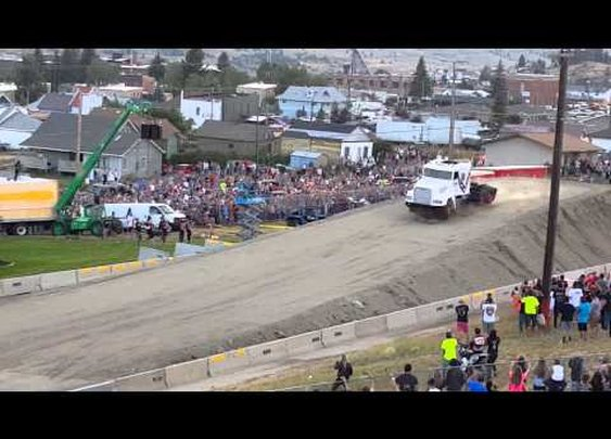 World record semi truck jump! - YouTube