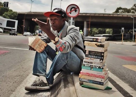 The homeless man who turned his life around by offering book reviews instead of begging