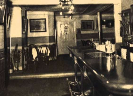 The Puzzling Fight to Determine Which Bar is Considered To Be the Oldest in New York City