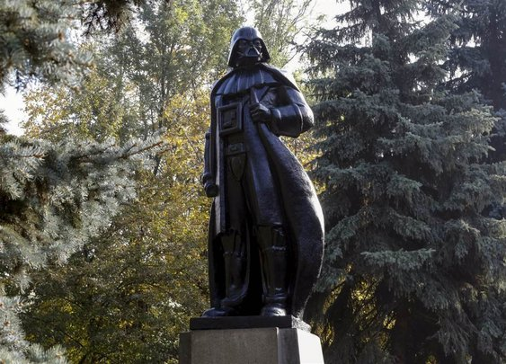 Statue of Vladimir Lenin in Ukraine Converted Into a Darth Vader Statue That Also Serves As a Wi-Fi Hotspot