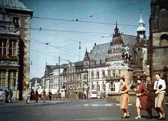 vintage everyday: Cities of Germany in Color Photos, 1941
