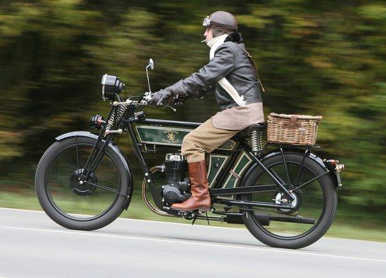 The Black Douglas: A Two-Wheeled Morgan | Bike EXIF
