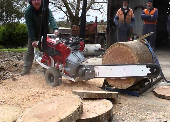 Australian V8 Chainsaw made by Whitlands Engineering www.superaxe.com.au - YouTube