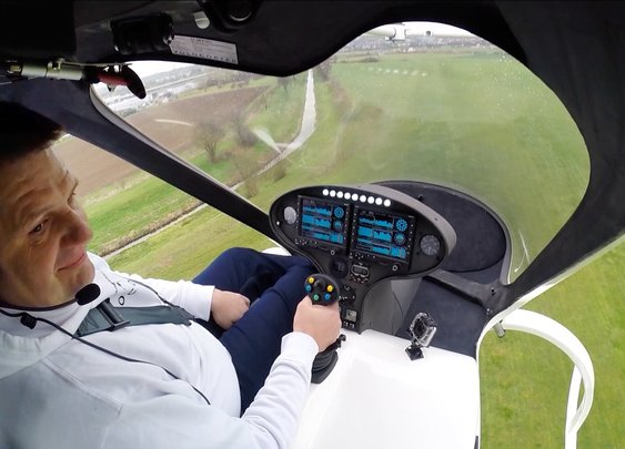 First manned 18 rotor Volocopter flight