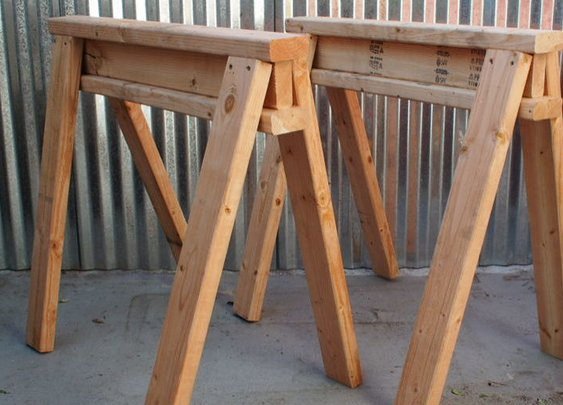 Simple, Cheap, Stackable Sawhorses