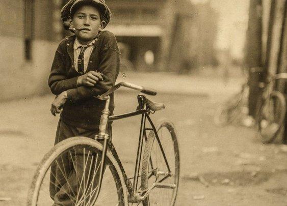 The hardcore teen bike messengers of the early 1900's