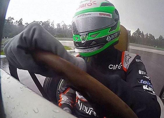 Here's How Modern F1 Drivers Handle Classic Race Cars In The Rain