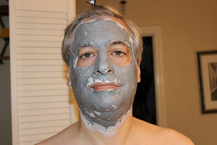 7 Facial Cleansing Masks For Men - And How To Use Them