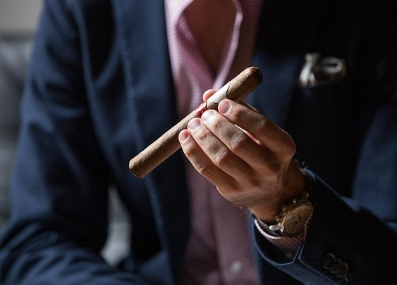 How To Hold a Cigar Properly - He Spoke Style