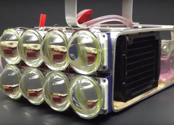 Water Cooled 72,000 Lumen LED Flashlight