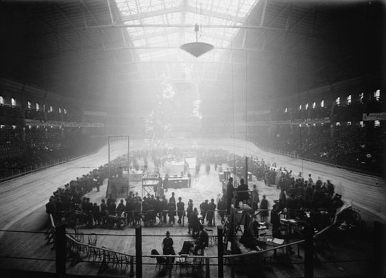 America's Short, Violent Love Affair With Indoor Track Cycling | Atlas Obscura
