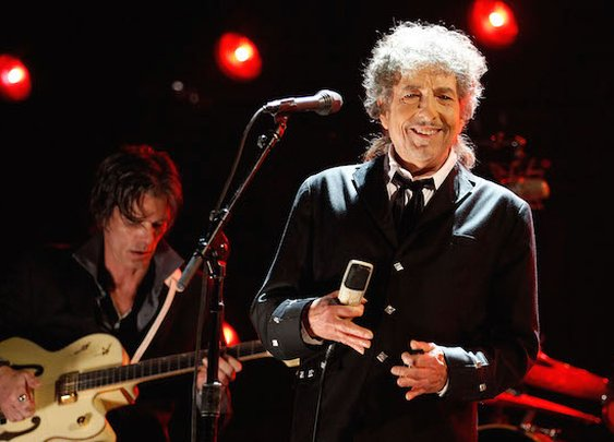 Nobel Committee Says Bob Dylan Is Ignoring Them