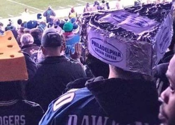 This Eagles fan combated Packers fans by wearing a Philadelphia Cream Cheese head