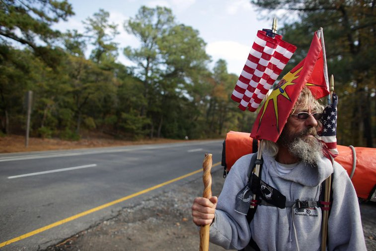 29 months and 11,500 miles later, Beach man who walked perimeter of the continental U.S. returns home
