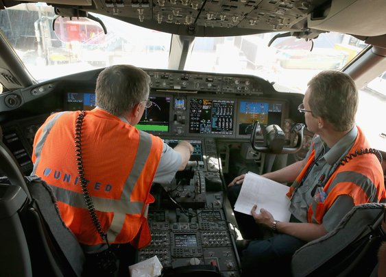 FAA orders Boeing 787 safety fix: Reboot power once in a while