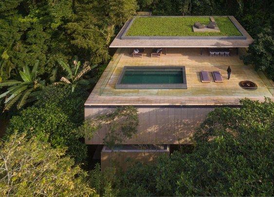 Stunning modern house in Brazil's rain forest