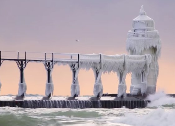This Ice-Covered Michigan Lighthouse Looks Frosty and Awesome