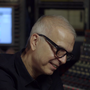 """Producer Tony Visconti Breaks Down the Making of David Bowie's Classic """"Heroes,"""" Track by Track 