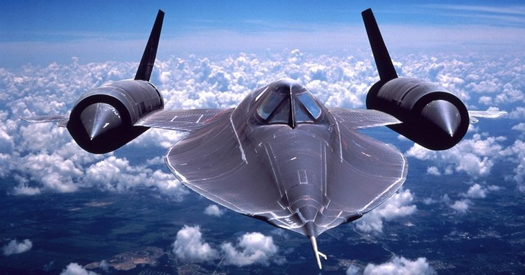 SR-71 Blackbird Pilot Trolls Arrogant Fighter Pilot with Ground Speed Check. | Tribunist