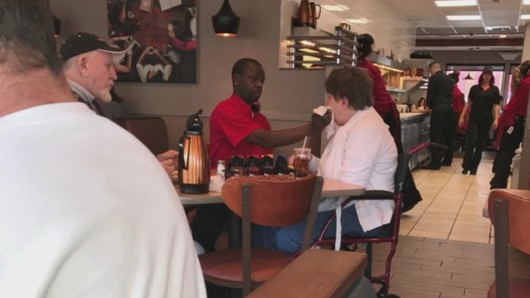 Waiter receives job offer after helping a disabled customer | WTKR.com