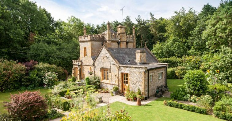 England's Smallest Castle Is For Sale And It Isn't Terribly Expensive