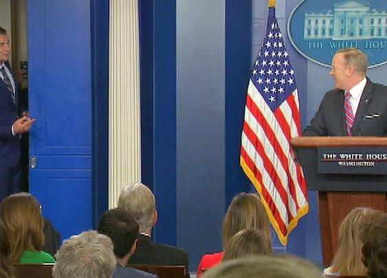 Rob Gronkowski makes cameo at White House press briefing