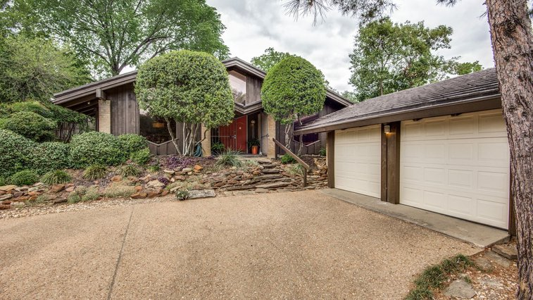 Striking '60s home by Frank Lloyd Wright apprentice asks $367K