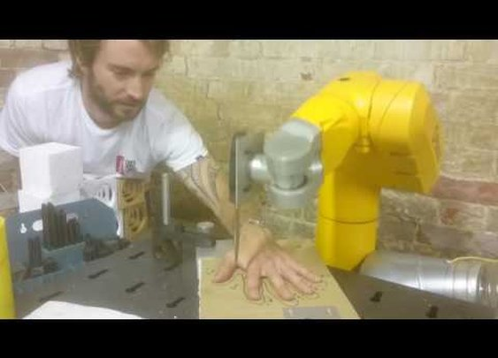 Robot five finger fillet