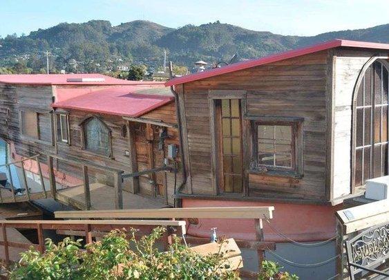 Poet Shel Silverstein's Sausalito houseboat asks $390K