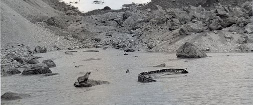 An abandoned lifeboat at world's end | A Blast From The Past