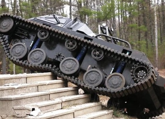 Take a ride in the Ripsaw luxury supertank