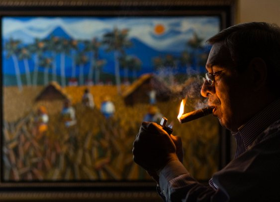 Get Ready for the Cuban Cigar Wars - Bloomberg